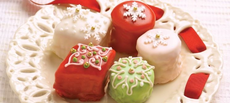 A Perfectly Pinterest Petit Four